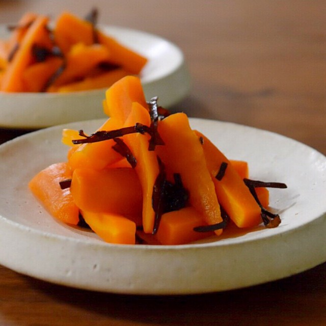 Carrot salad with Japanese salted kelp